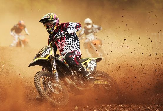 Dirtbikes, this would make a fantastic poster!