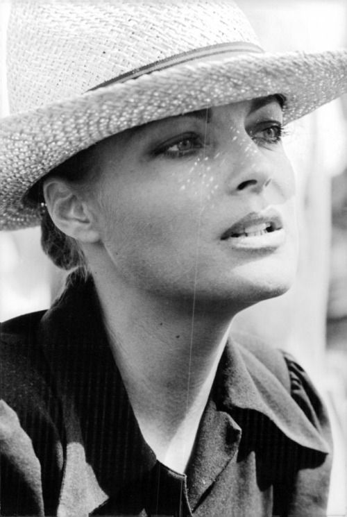 romyschneider:  Le Train, 1973                                                                                                                                                                                 Plus