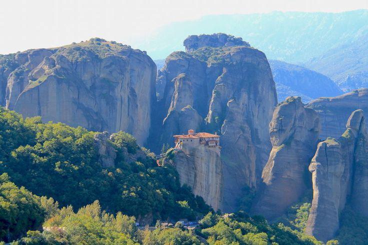 Widok na Klasztor Rusanu / Klasztor Świętej Barbary - Grecja, Meteory