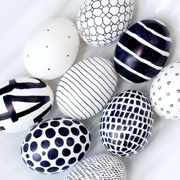 Black and white sharpie eggs #easter