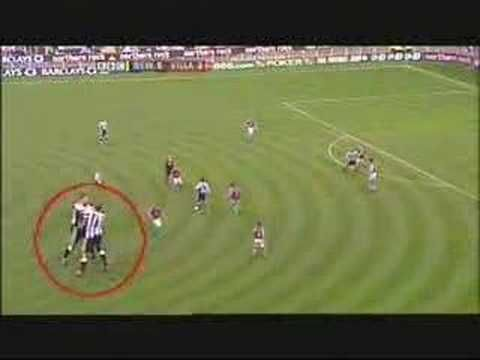 Kieron Dyer and Lee Bowyer are at eachother, but they play for the same team! A quite unique moment in the history of Enlgish Football and one to forget for Newcastle fans as both men were sent off http://www.betfred.com/premier-league-centre