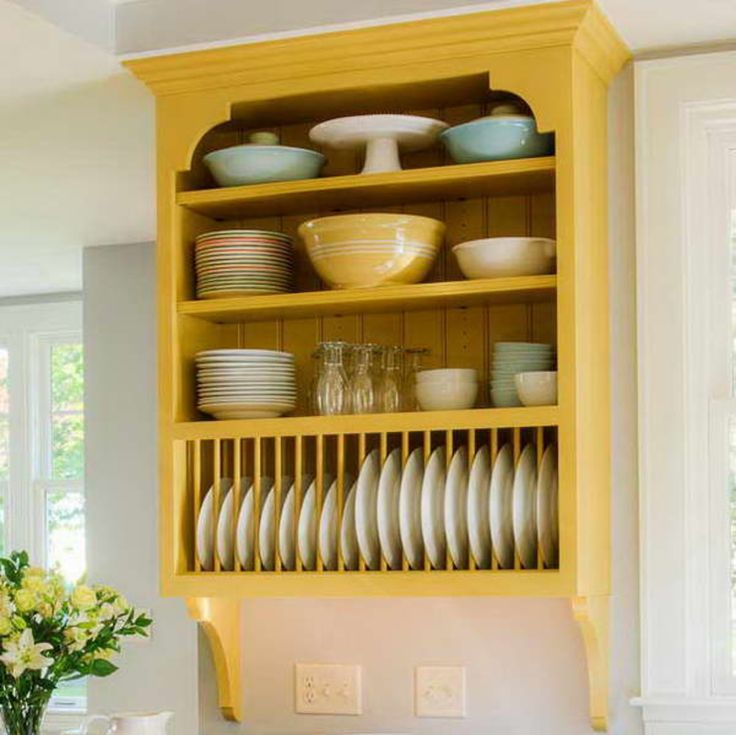wood plate rack with yellow color