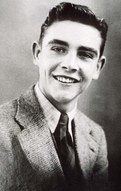 25.08.1930 Den skotske skuespilleren Sean Connery ble født (Wikipedia) - http://i.telegraph.co.uk/multimedia/archive/01702/connery-teen_1702282i.jpg