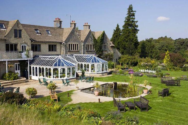 Hotels Near Larmer Tree Gardens