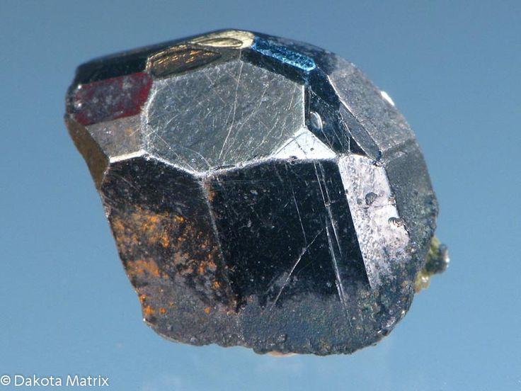 Wittichenite, Cu3BiS 3, Cattle Grid pit, Mt Gunson mine, Pernatty Lagoon, South Australia, Australia Taille=13 x 15 x 8 mm