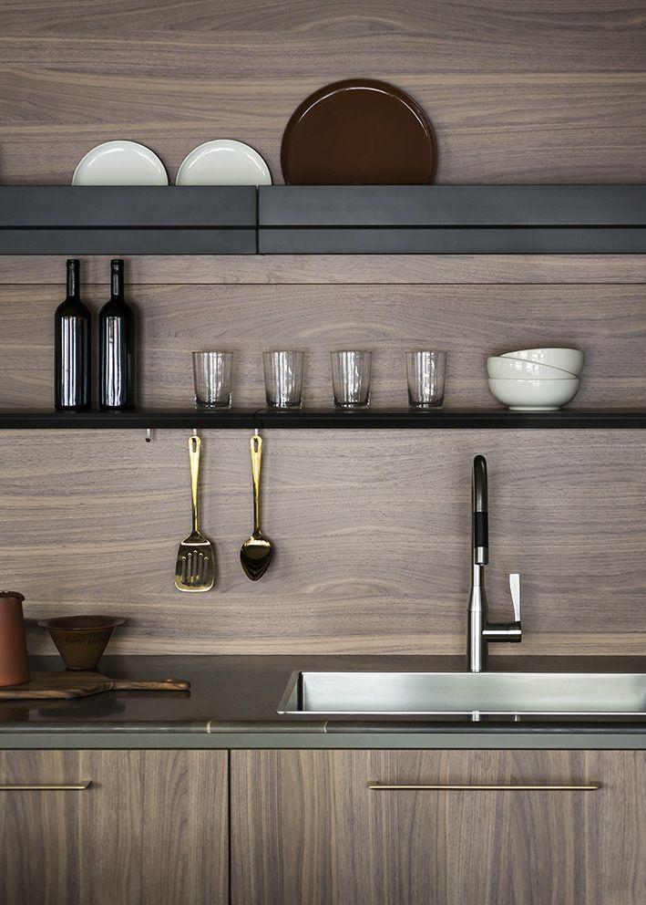 Unit silk-effect Laguna lacquer and wood noce canaletto base units, Eero champagne handle, Titanio Wall Waiter @ Cesar flagship store in #Milano - Photo © Andrea Ferrari