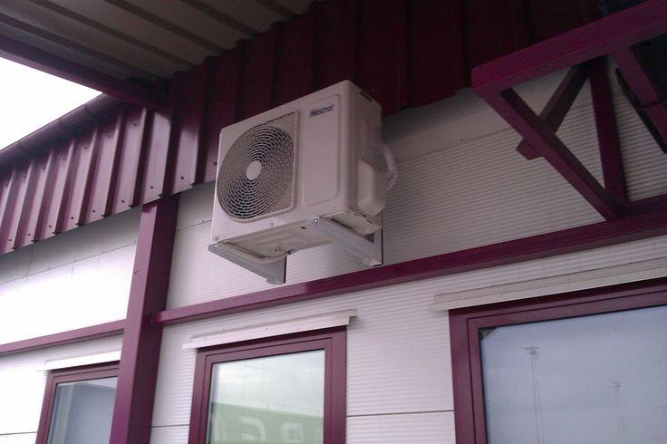 Montaż jednostki zewnętrznej klimatyzatora Mistral - Graniczny Inspektorat Weterynaryjny na Okęciu