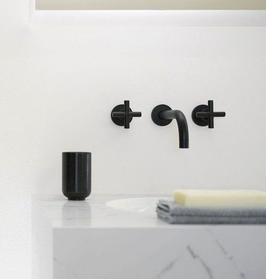 Fresh Bathroom Decorating Ideas: Beautiful Black Fixtures | Apartment Therapy