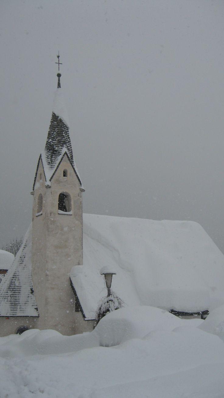 """Chiesa Beata Vergine della Difesa, San Vito di Cadore. """"Big Snow"""" 2014 Belluno, Veneto"""