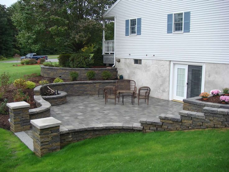 Walkout basement retaining wall retaining walls 42 for Walkout basement patio ideas