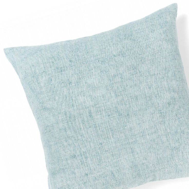 This Nordic blue cushion is our pick of the week. Get your hands on our Glacier hued Vintage Linen Cushion (50cm x 50cm) Pure cotton velvet one side + natural linen the other with a contemporary brass zipper ⚡️A luxe steal for only $69.95. ⠀