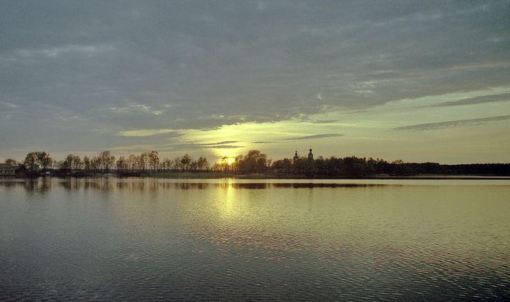 Озеро Селигер. Вид на Житенный Богородицкий женский монастырь