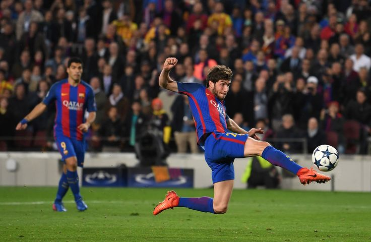 Sergio Roberto of Barcelona scores their sixth goal during the UEFA Champions League Round of 16 second leg match between FC Barcelona and Paris Saint-Germain at Camp Nou on March 8, 2017 in Barcelona, Catalonia.