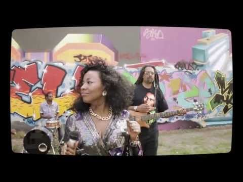 ▶ Teebone Feat: Kele Le Roc - Changing Lanes (Official Video) - YouTube