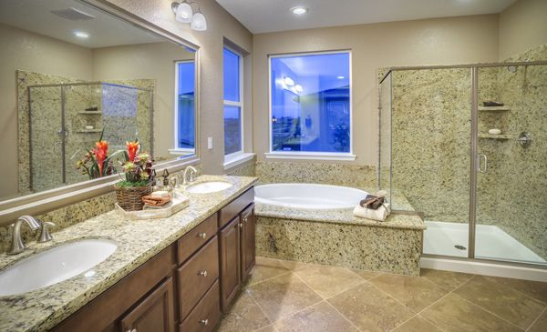 The evolution ii master bathroom from lennarnorcal at for Pictures of master bathrooms in new homes