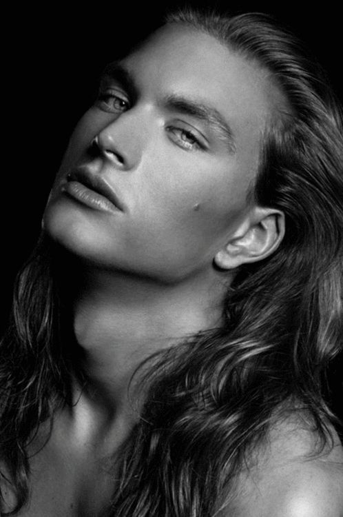 oh, oh my. :3   guys who can pull off long hair - rare, but instant turn-on.