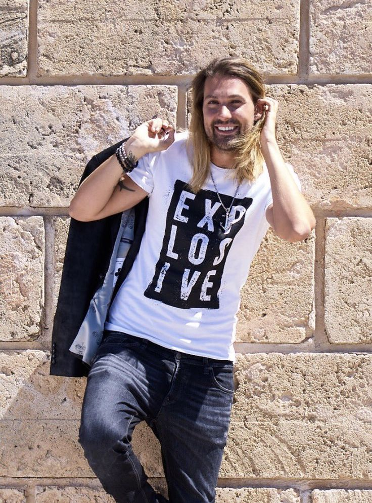 David Garrett (@david_garrett) | Twitter. Can hardly wait to introduce my new fan-articles. Here's the new men's Explosive t-shirt. More infos soon. ©Christine Blei