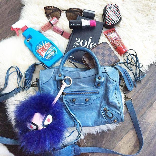 "Instagram media irenadworld - New week New ""What's in my bag"" using my Balenciaga ""City"" |Началась новая неделя! Сегодня я беру мою любимую мини Balenciaga сумки модные брендовые, http://bags-lovers.livejournal.com/"