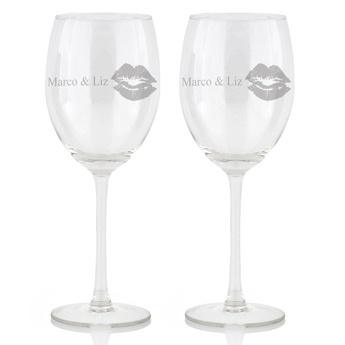 Laat het bruidspaar drinken uit een glas waar hun namen in gegraveerd zijn. Mogelijk voor bier-, wijn-, champagne- en limonadeglazen. Vanaf €12,95