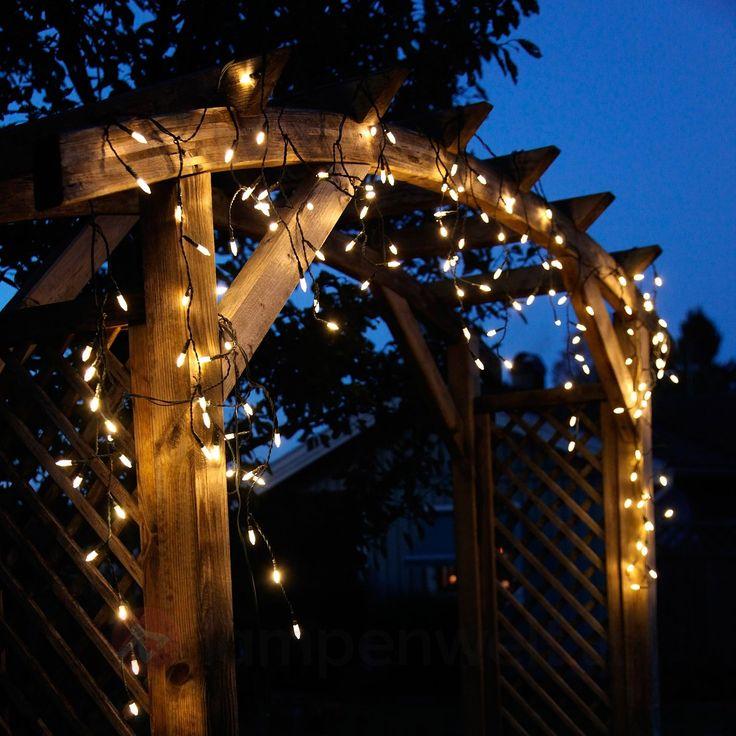 #Funkelnde #Eiszapfen sind an dieser #Lichterkette zu finden. Eine tolle #Weihnachtsdekoration für #Dach, #Balkon oder #Rundbogen.