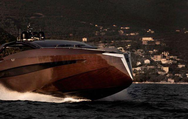 blonde-on-simon-cowell-yacht