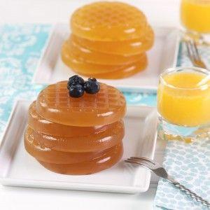 Waffle Jelly Shots (Blueberry e Classico – Vodka, suco de laranja, maple syrup, suco de limão siciliano, versão com blueberry: blueberry em calda)
