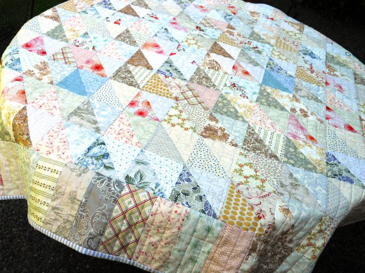 Low Volume Quilt | These colors are more true to the quilt. | Lettyb | Flickr