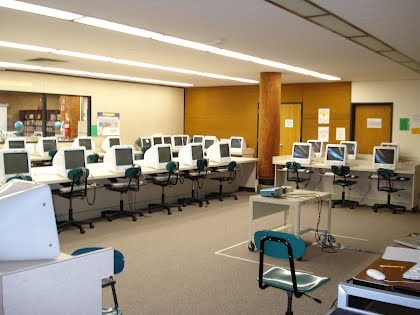 Highland Elementary School Computer Lab - Site contains good daily activities for the lab