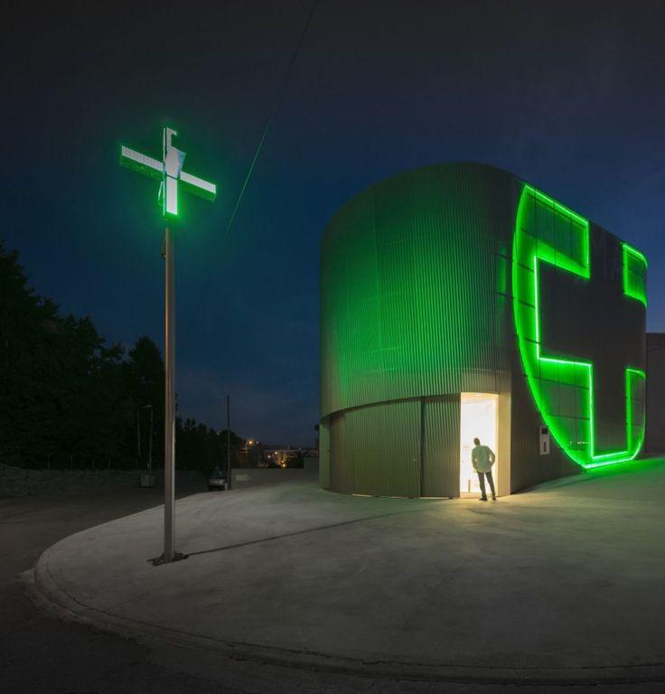 Lordelo Pharmacy / José Carlos Cruz – Arquitecto