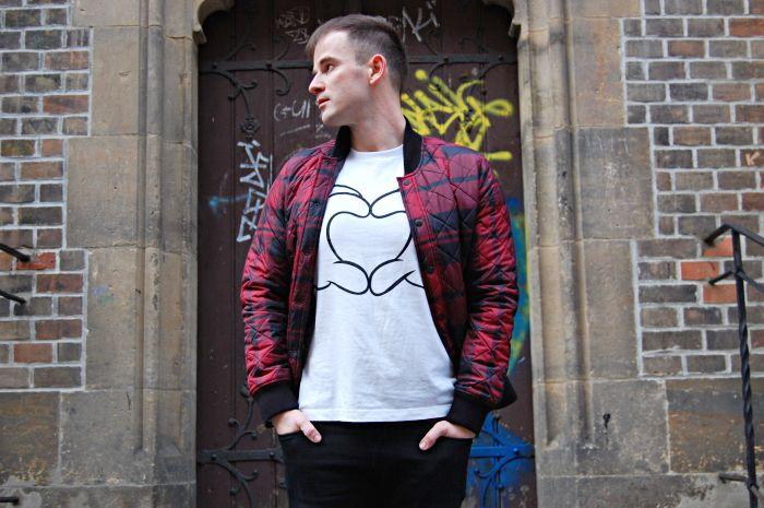 street style, prague, bomber jacket, tartan, uniqlo, mickey mouse, fashion blog