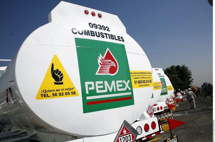 Tratan de surtir hoy 20 mil litros de gasolina a cada estación para empezar a normalizar el abasto | El Puntero