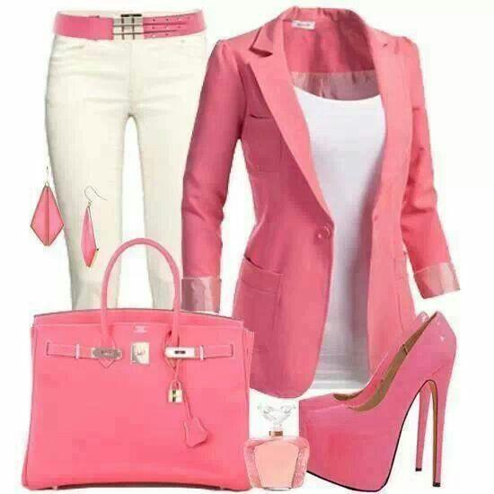 Precioso conjunto rosa no me gustan mucho  los zapatos