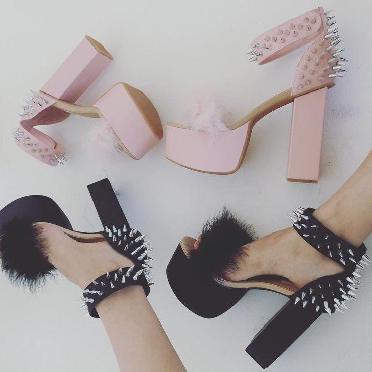 "23.9 mil curtidas, 476 comentários - Dolls Kill (@dollskill) no Instagram: ""Pink or Black? Why choose? U can have BOTH! #BOGO shoe sale on NOW: DollsKill.com/Shoes"""