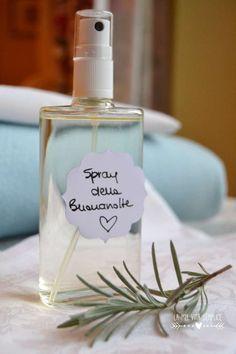 Spray della buonanotte: come fare un semplice profumo alla lavanda per la cameretta dei bambini per favorire il sonno dei bimbi.