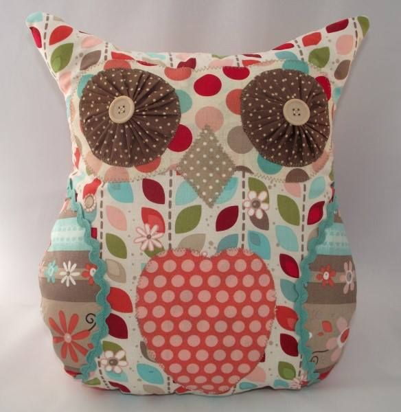 This is an Owl Cushion, one of my Family of handmade quirky owls and is made from cotton fabric. Size approx. 33cm x 29.5cm.  All my handmade items are made in a smoke free home.  PLEASE NOTE THAT THIS ITEM IS NOT A TOY.  PRICE: £14.00 + P&P