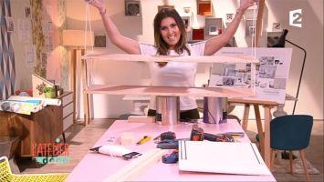 Décoratrice et architecte d'intérieur, Aurélie Hemar apprend à donner une seconde vie à la maison en transformant, détournant ou restaurant le mobilier à moindre coût. A chaque nouveau rendez-vous, elle vient en aide à une nouvelle famille qui souhaite redécorer une pièce de son habitation.