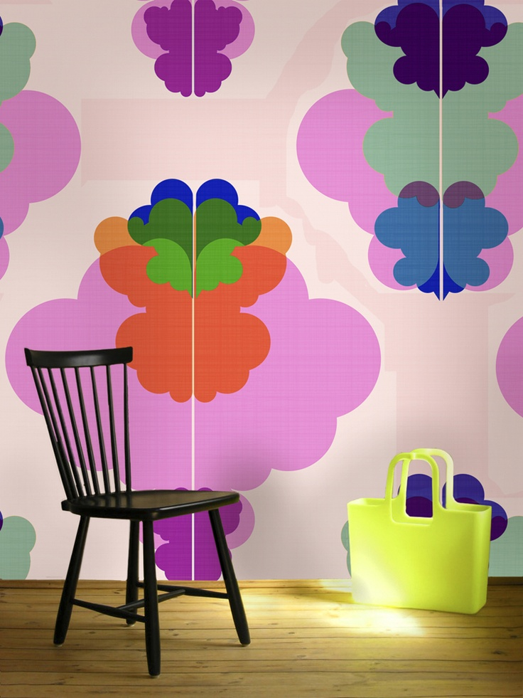 Modern Kurbits. A tasteful wallpaper reminding us of the happy 60's with a modern twist.
