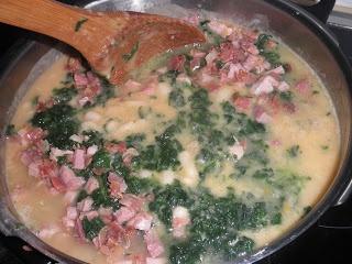 Hierbabuena y Pimienta: Alubias blancas con taquitos de jamón y espinacas (20 minutos)