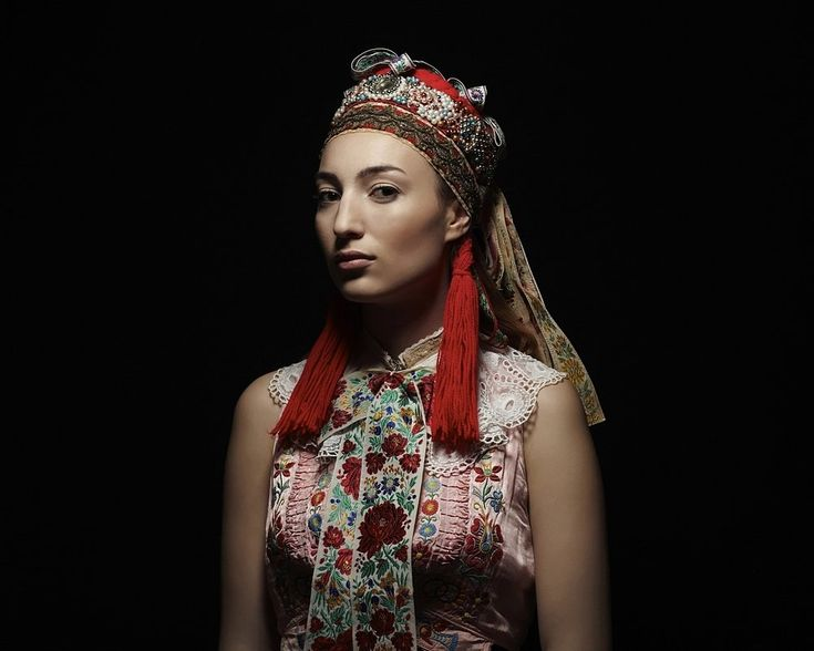 Slovak Renaissance - photo-project by Slovak photographer PETRA LAJDOVÁ documenting traditional Slovak headdresses. Parta, Vajnory. © Petra Lajdová
