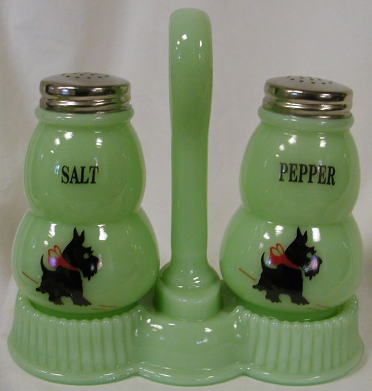 Jade Glass Round SALT & PEPPER Shaker Set w/ Holder & Scottie Dogs
