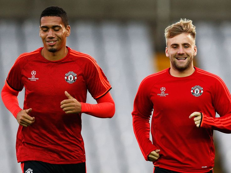 Manchester United transfer news: Luke Shaw and Chris Smalling could leave United following Mourinho's latest attack #manchester #united…