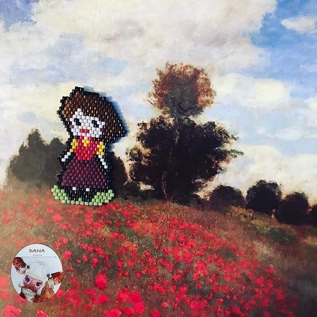 Sipariş üzerine Alplerin kızı Heidi 😊🌳🏔 #danaaccessories #miyuki #miyukiaddict #miyukibeads #miyukibrooch #brooch #miyukibroş #broş #handmade #handmadejewellery #elyapımı #elyapımıbroş #elemeği #takisizgezmeyenlerkulubu #aksesuar #peyote #peyotestitch #heidi #alpler #girlofthealps pattern by danaaccessories