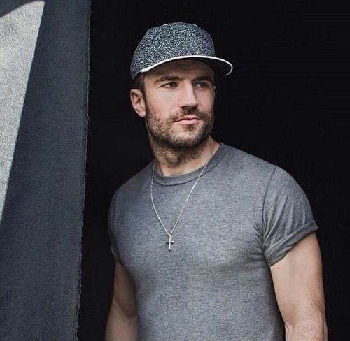 Love him!!!!!!Sam Hunt