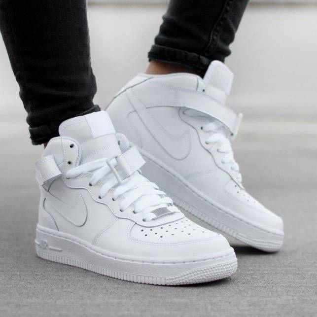 Nike Air Force 1 Mid FF8871 R$ 314,91