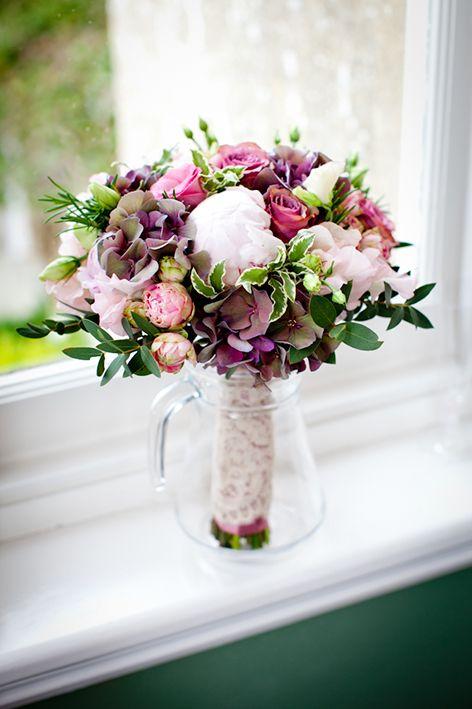 Bridal flowers | Sorori Design Florist www.sororidedign.co.uk
