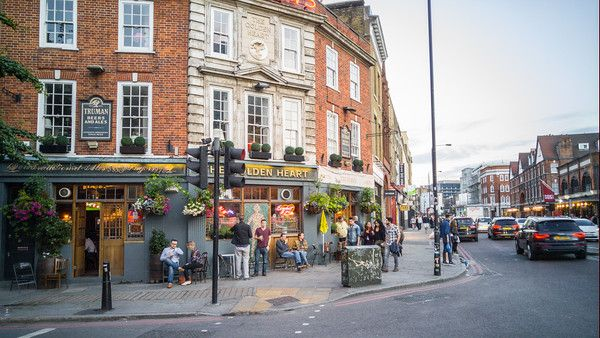 5 London Neighborhoods To Love | A Brick Lane Pub