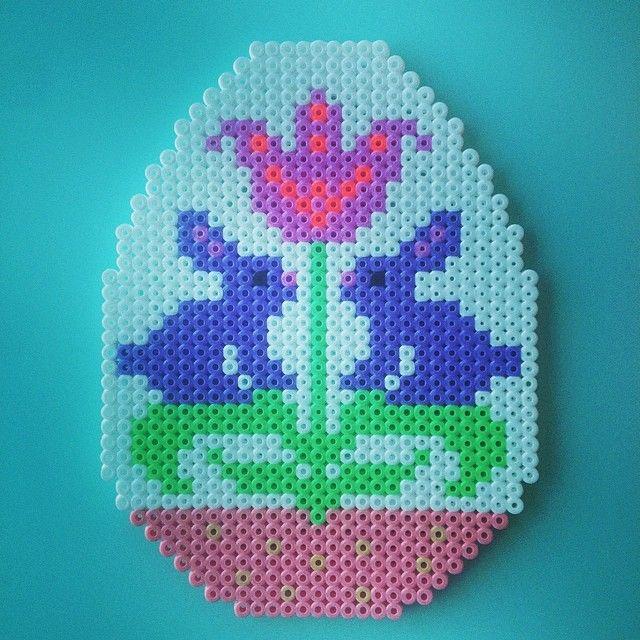 Easter egg hama perler beads by michelebayolsen