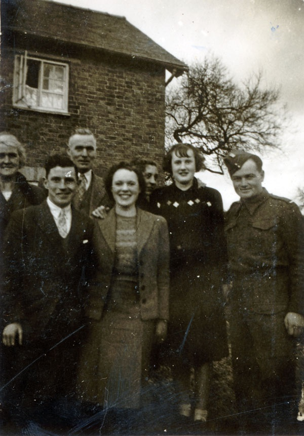 Jan Kubiš visiting Ellison family in Withchurch in December 1940.