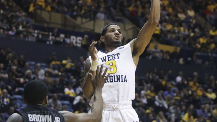 Konate, No. 15 West Virginia end skid, top K-State 89-51   USA TODAY Sports