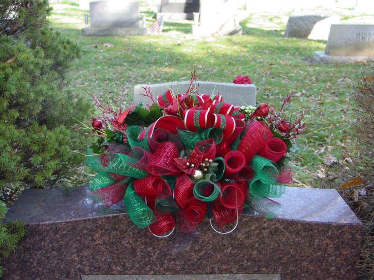 Christmas Deco Mesh Cemetery Saddle Grave Headstone